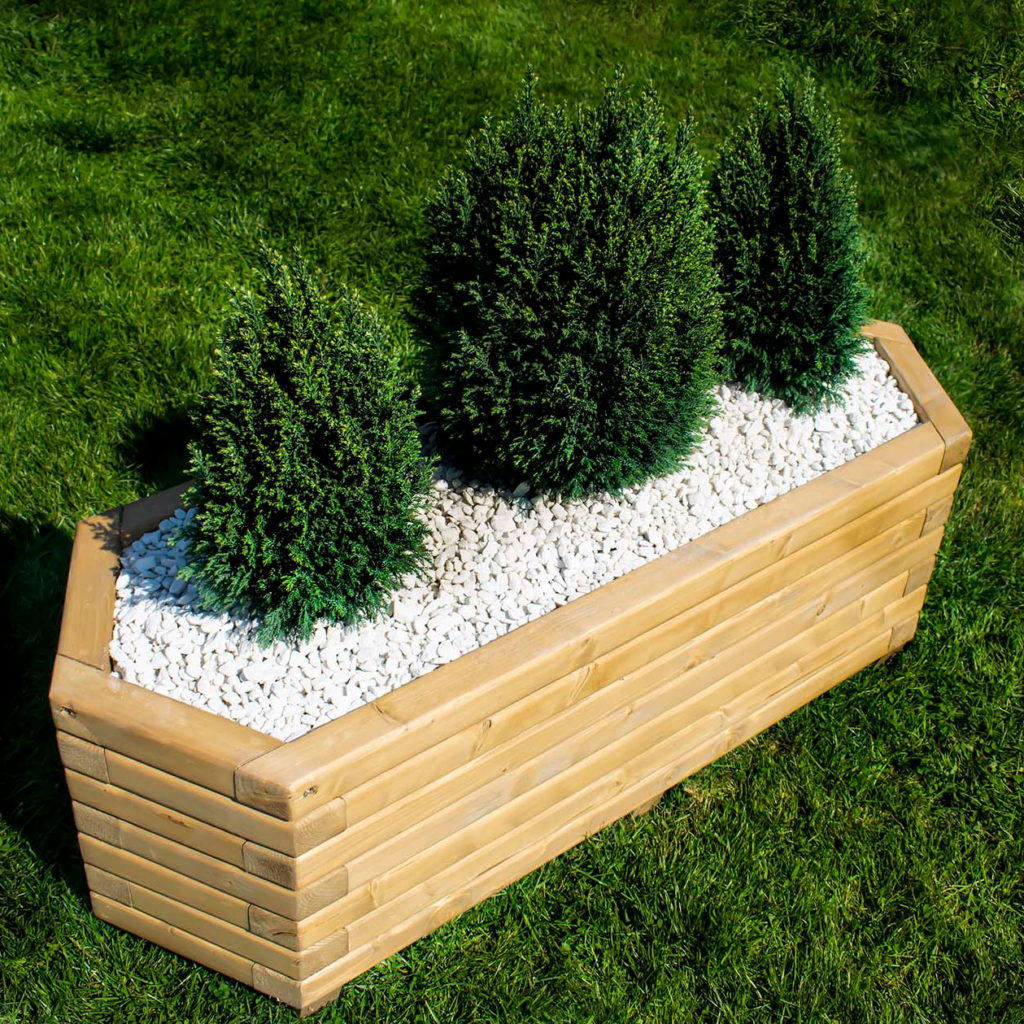 Hexagonal wooden planter